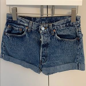 Levi's - denim shorts